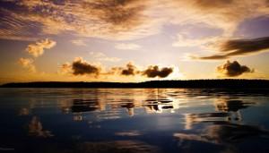 Ладожское озеро (Ладога) на закате. Это одно из знаменитейших озер России