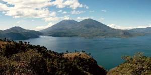 Атитлан - одно из красивейших озер мира