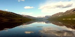 Невеоятно красивое озеро Виви на плато Путорана